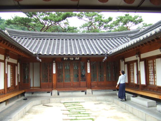 韓国宮廷料理 「必敬斎」 _c0007919_20201025.jpg