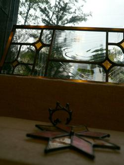 雨に煙るステンドグラス_a0017350_024842.jpg
