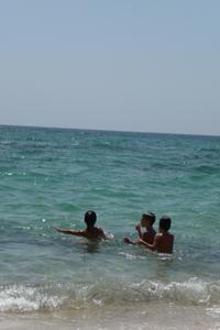 ユキちゃんが見つけた海の色_f0106597_23413396.jpg