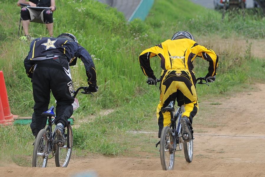 2009 JOSF7月緑山定期戦VOL3:BMXエキスパートクラス決勝_b0065730_2164932.jpg