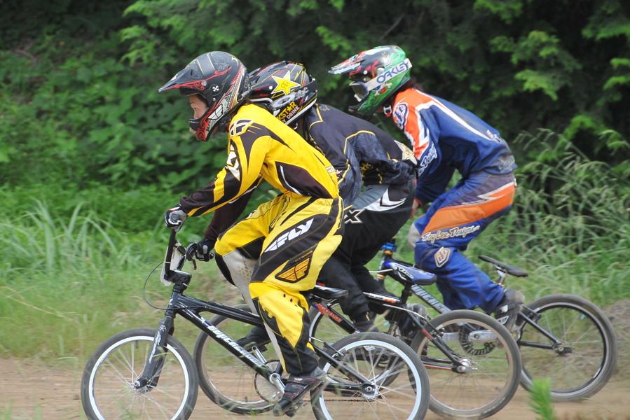 2009 JOSF7月緑山定期戦VOL3:BMXエキスパートクラス決勝_b0065730_2214560.jpg