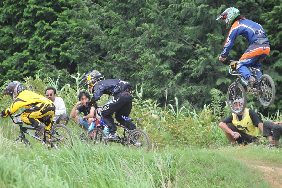 2009 JOSF7月緑山定期戦VOL3:BMXエキスパートクラス決勝_b0065730_222855.jpg