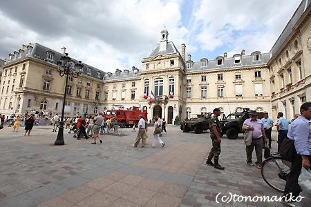 パリで戦車体験教室?!_c0024345_530895.jpg