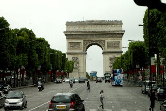 凱旋門 パリをめぐる1 _e0048413_20151475.jpg
