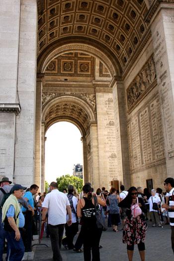 凱旋門 パリをめぐる1 _e0048413_20154349.jpg