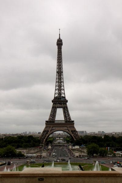 エッフェル塔 パリをめぐる2_e0048413_21282545.jpg