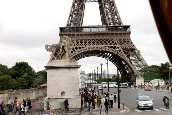 エッフェル塔 パリをめぐる2_e0048413_21285476.jpg