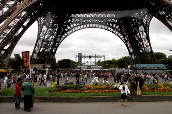 エッフェル塔 パリをめぐる2_e0048413_21291450.jpg