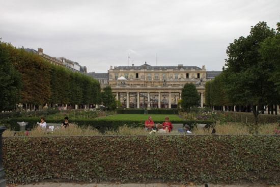 パレロワイヤルなど パリをめぐる 4_e0048413_2330080.jpg
