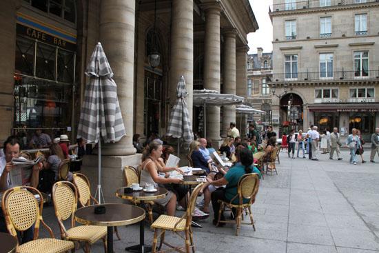 パレロワイヤルなど パリをめぐる 4_e0048413_2330178.jpg