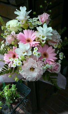 ひらひらとぷっくり:淡いピンクの花束_c0137266_21444563.jpg
