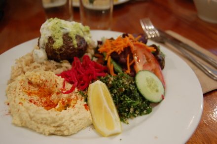 レバノン料理を食べました~♪_d0129786_1435411.jpg