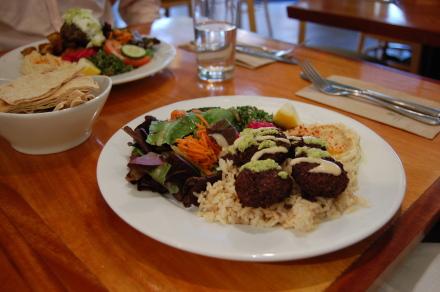 レバノン料理を食べました~♪_d0129786_14532018.jpg