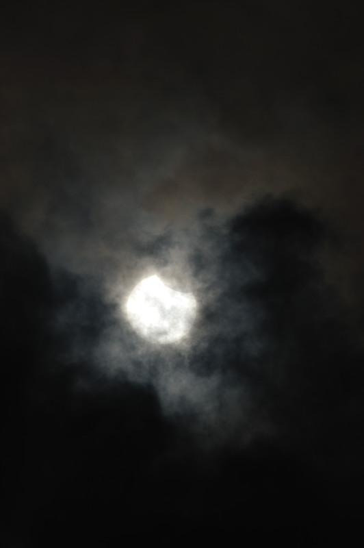 真昼の天体ショー! 部分日食@京都_f0032011_2055364.jpg