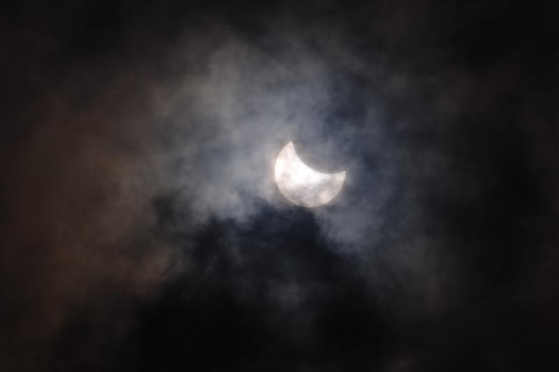 真昼の天体ショー! 部分日食@京都_f0032011_206190.jpg