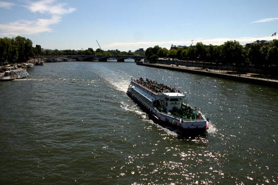 セーヌ川 パリをめぐる 7_e0048413_2212423.jpg