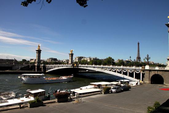 セーヌ川 パリをめぐる 7_e0048413_222773.jpg