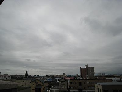 日本中「皆既日食」で大盛り上がり!では札幌では?_c0134029_134742.jpg