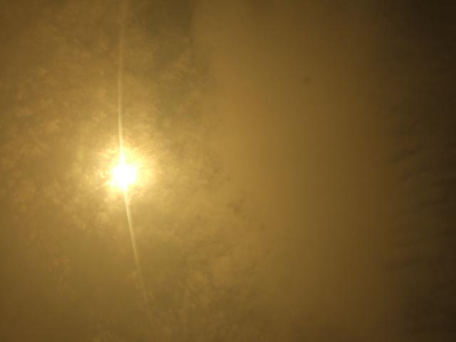 部分日食2_c0132732_1119374.jpg
