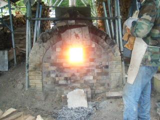 穴窯焼成を見学に行きました_e0085133_21123986.jpg
