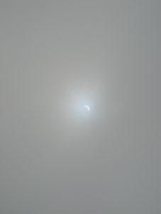 部分日食_a0137353_1829831.jpg