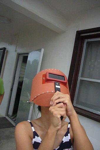 a solar eclipse._c0153966_21303155.jpg