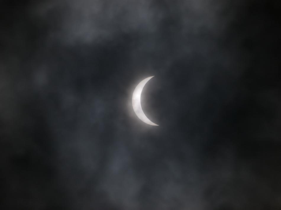 岡山県 部分日食(11時04分撮)_e0143879_19201745.jpg