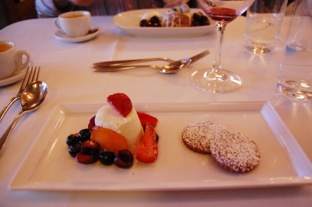 [2009 Best Small Plates]に選ばれたレストラン「CRU」_d0129786_15451589.jpg