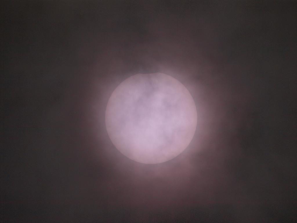 7/22 皆既日食_a0010095_1915384.jpg
