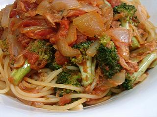 ツナとブロッコリーのトマトスパゲティ_c0025217_16740100.jpg