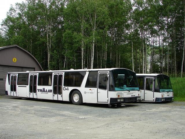 トマム 巨大バス発見!_f0195891_2122294.jpg