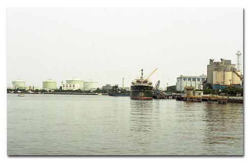#151 oil tank_e0175405_5264233.jpg