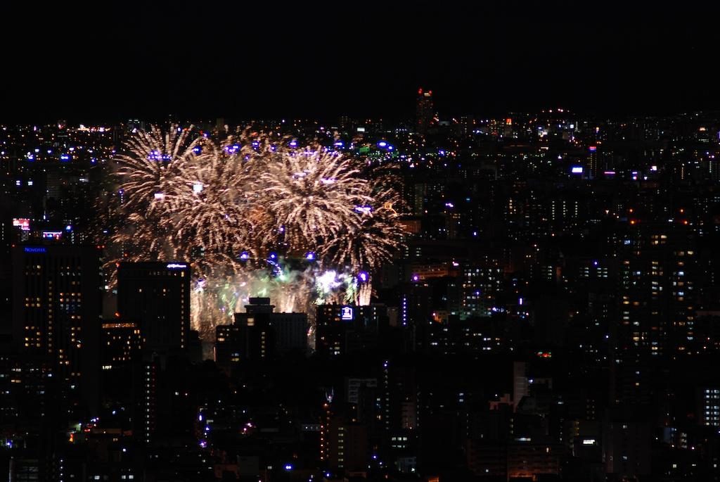 札幌の花火_f0126483_1333898.jpg