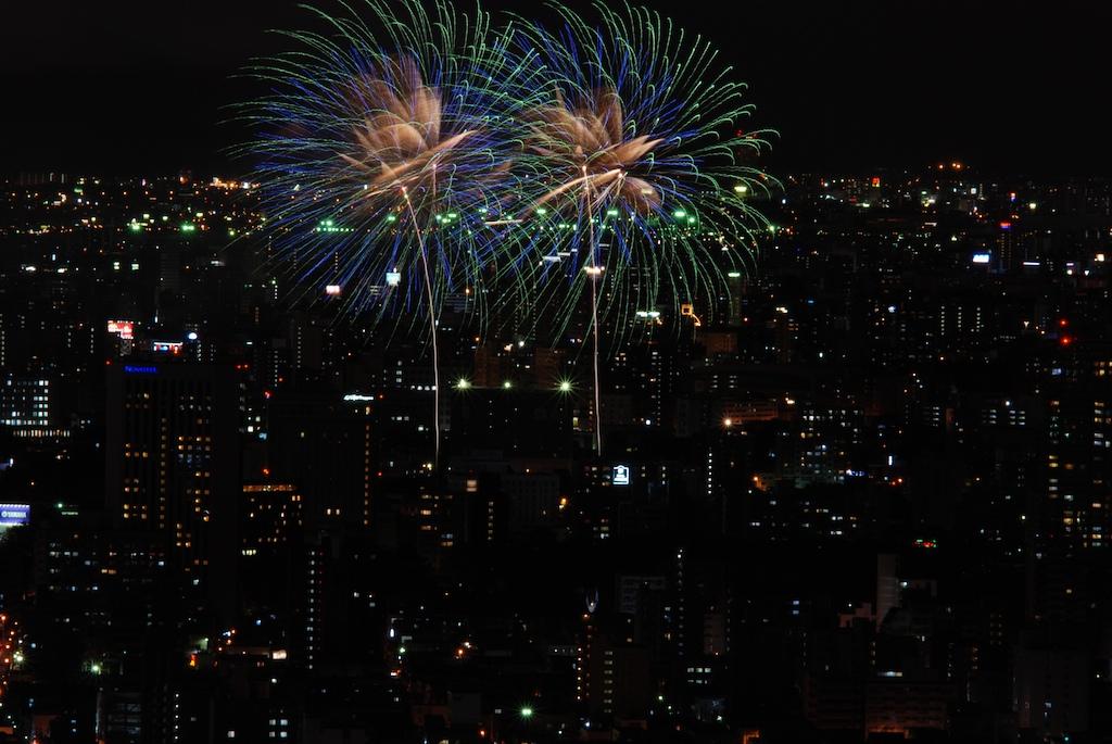札幌の花火_f0126483_2335217.jpg
