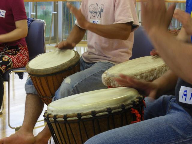 アフリカの楽器ジェンベ_d0027501_14274056.jpg