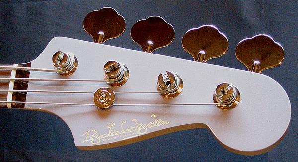 梅本さんオーダーの「Modern J-Bass #007」が完成〜!_e0053731_19452333.jpg
