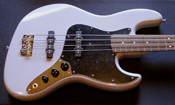 梅本さんオーダーの「Modern J-Bass #007」が完成〜!_e0053731_19453927.jpg