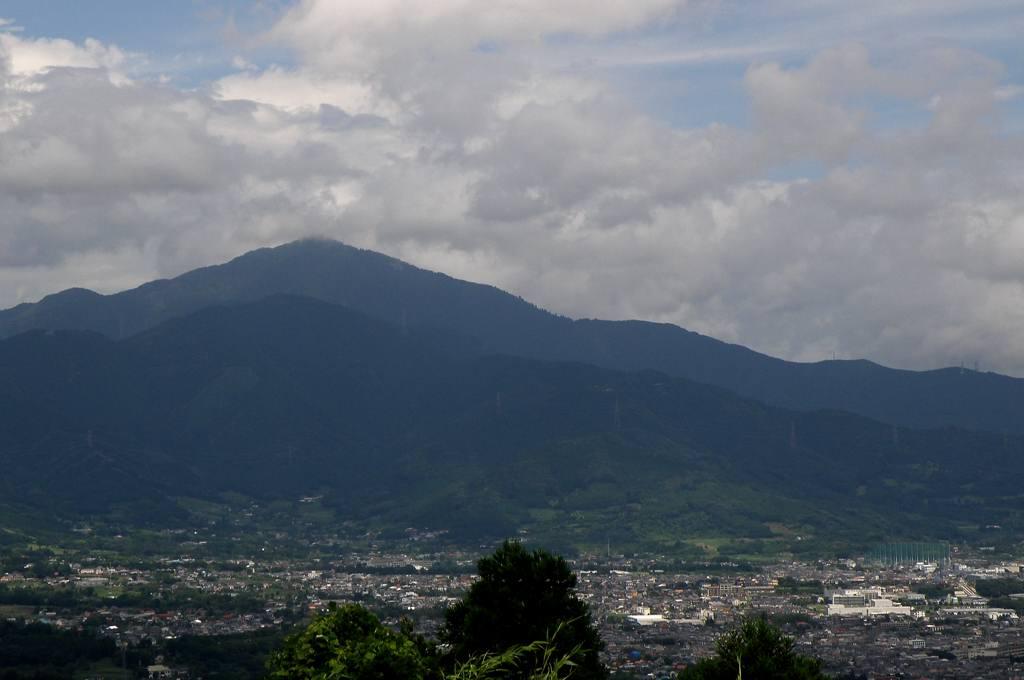 新幹線カワセミ/不思議な山脈_b0024798_5245734.jpg