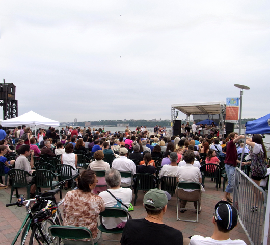 Riverside Parkのサマーイベント Summer on Hudson_b0007805_2325385.jpg