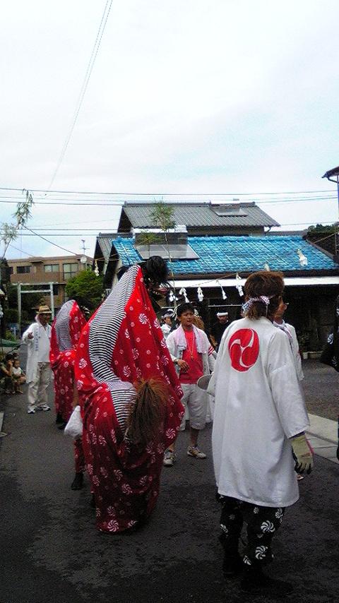 夏祭りは雨_c0045448_1037429.jpg