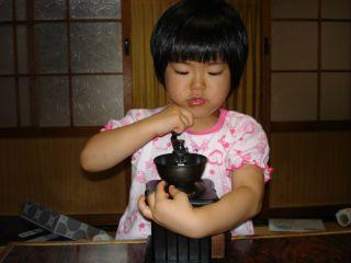 コーヒーミルを使いこなすマコちゃん!_e0166301_8423024.jpg