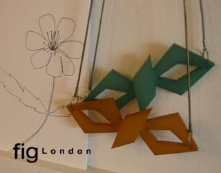 fig London.(フィグロンドン) アクリルちょうちょネックレス_a0130646_1916155.jpg