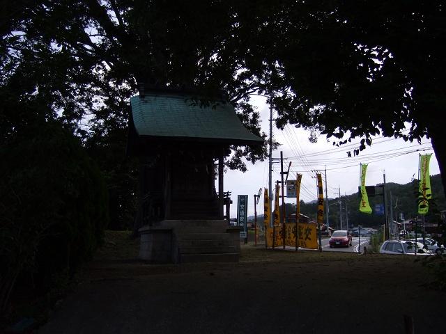 阿戸の夏の光景 その3 町境の大榎~荒神社・国草_b0095061_1152062.jpg