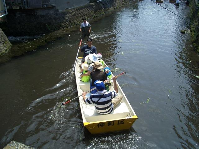 今年も転覆!田宿川たらい流し川祭り_f0141310_2158282.jpg
