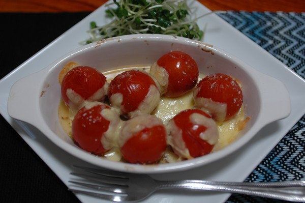 ミニトマトのチーズ焼き_b0149624_1845996.jpg