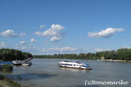 スノッブカフェの安ランチ ハンガリー旅行8_c0024345_18171122.jpg