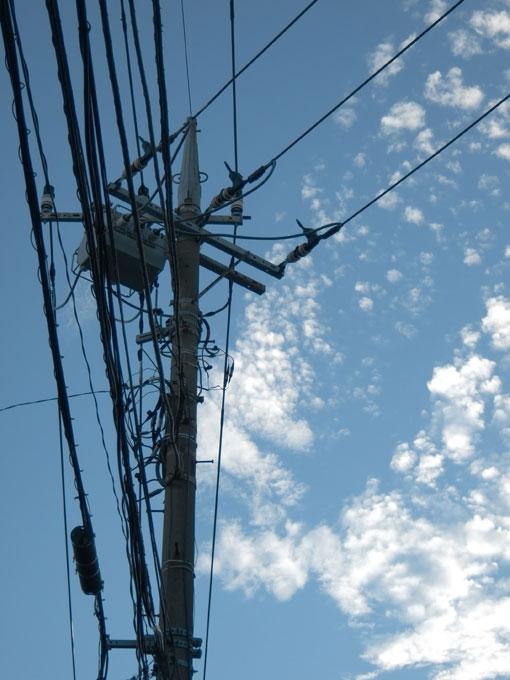 雲と電線_c0168669_1155352.jpg