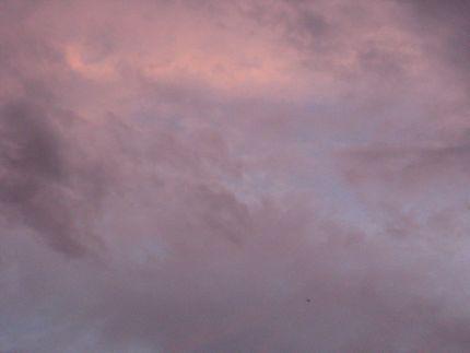趣味:空を眺めることです。_e0003273_18225665.jpg
