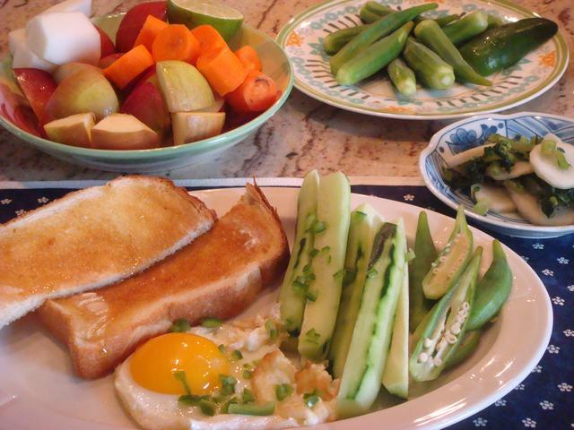 たまには手抜き朝食1週間、_d0100880_015348.jpg