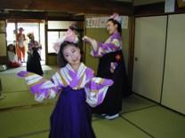 舞踏団HARUNAショー開催!<アクティブライフ中町倶楽部>_c0107602_10141556.jpg